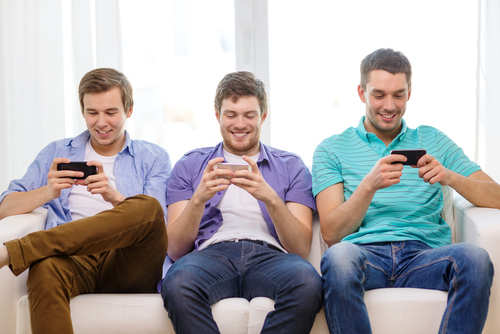 consumidor-millennial-smartphone